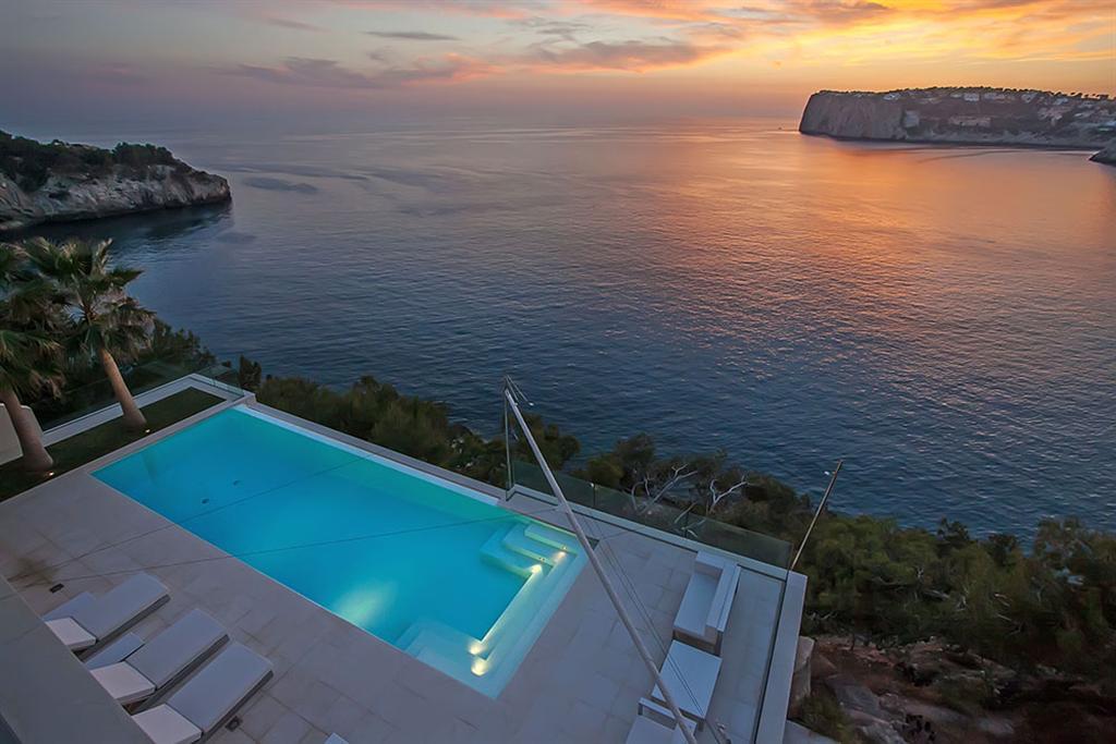 Beautiful Villa in Cala Llamp, Mallorca 1