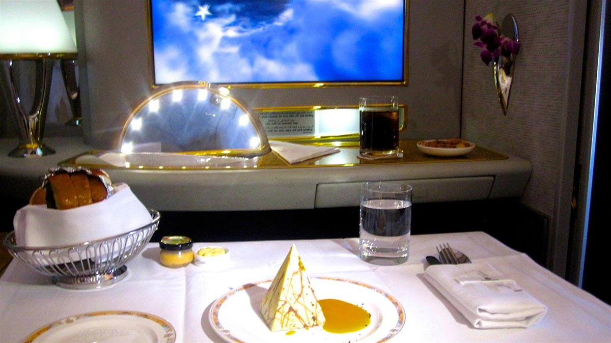 A $18,000 Dollar Flight in the Emirates First Class Suite 9