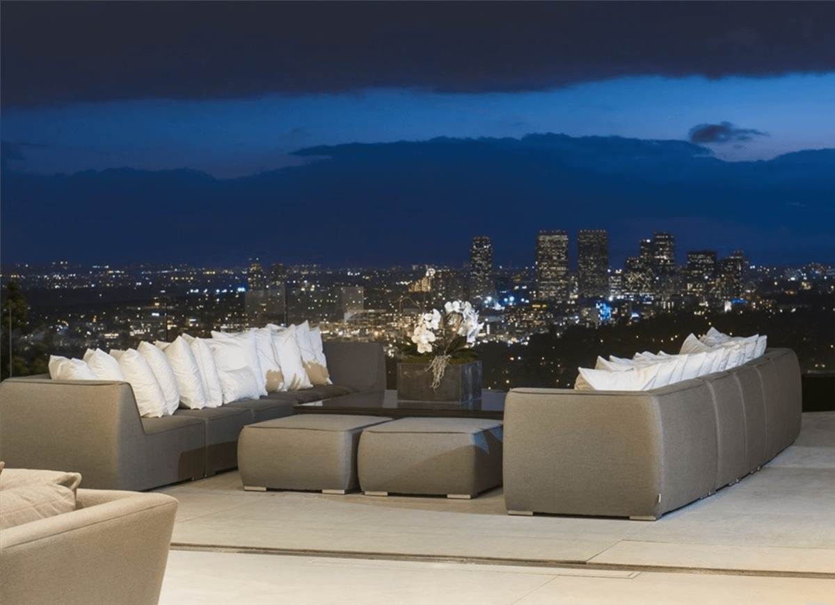 Rent the Winklevoss Mansion in L.A for $150.000 5