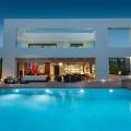 Modern Villa in Glyfada x Dolihos Architects