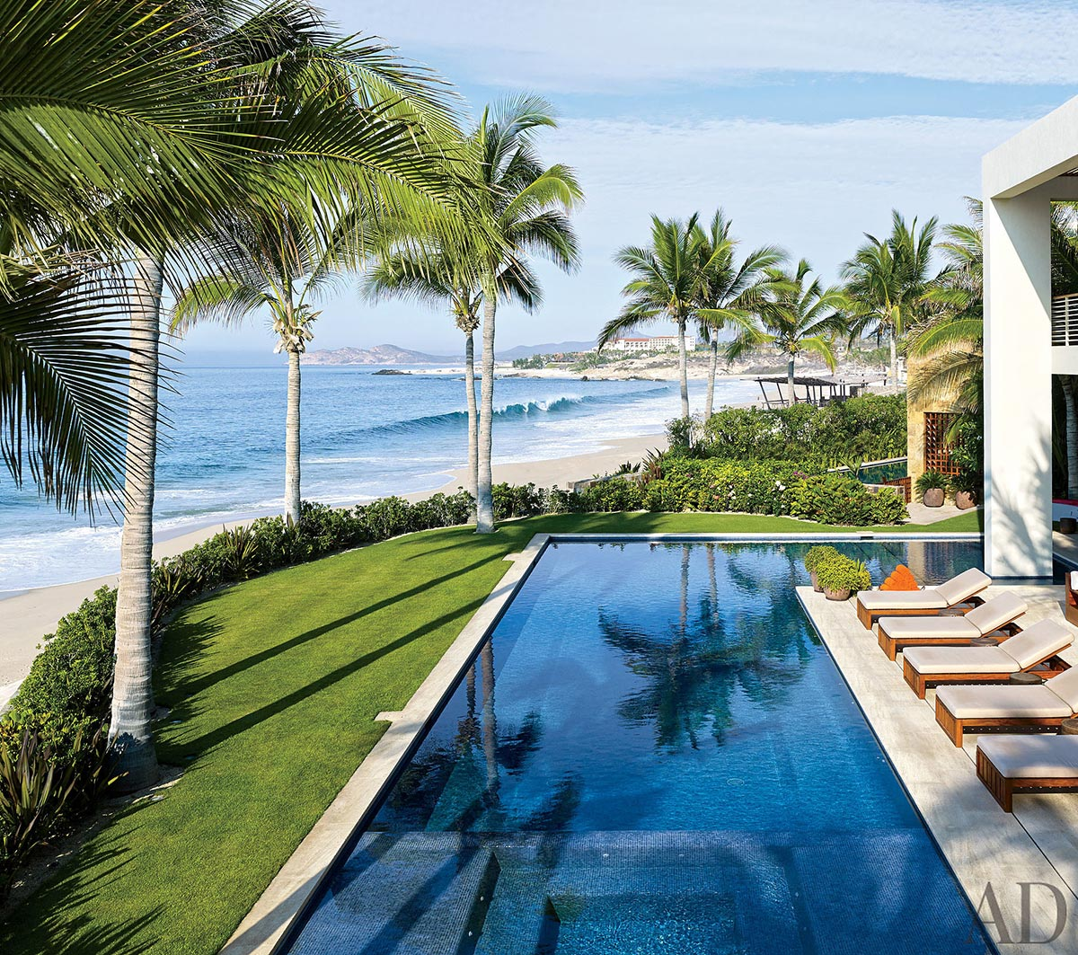 """George Clooney sells his dream home """"Casamigos"""" 4"""
