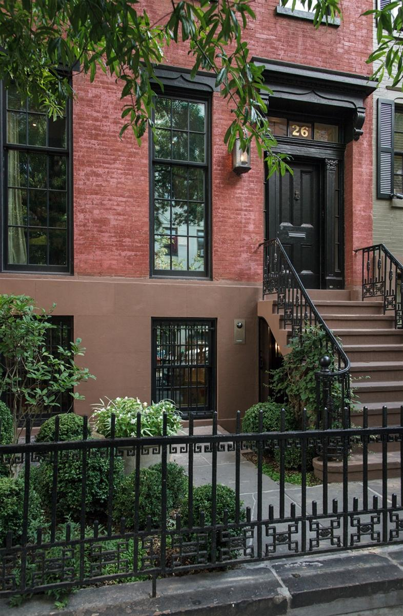 The great westvillage townhouse in new york city mr goodlife for Townhomes for sale in nyc