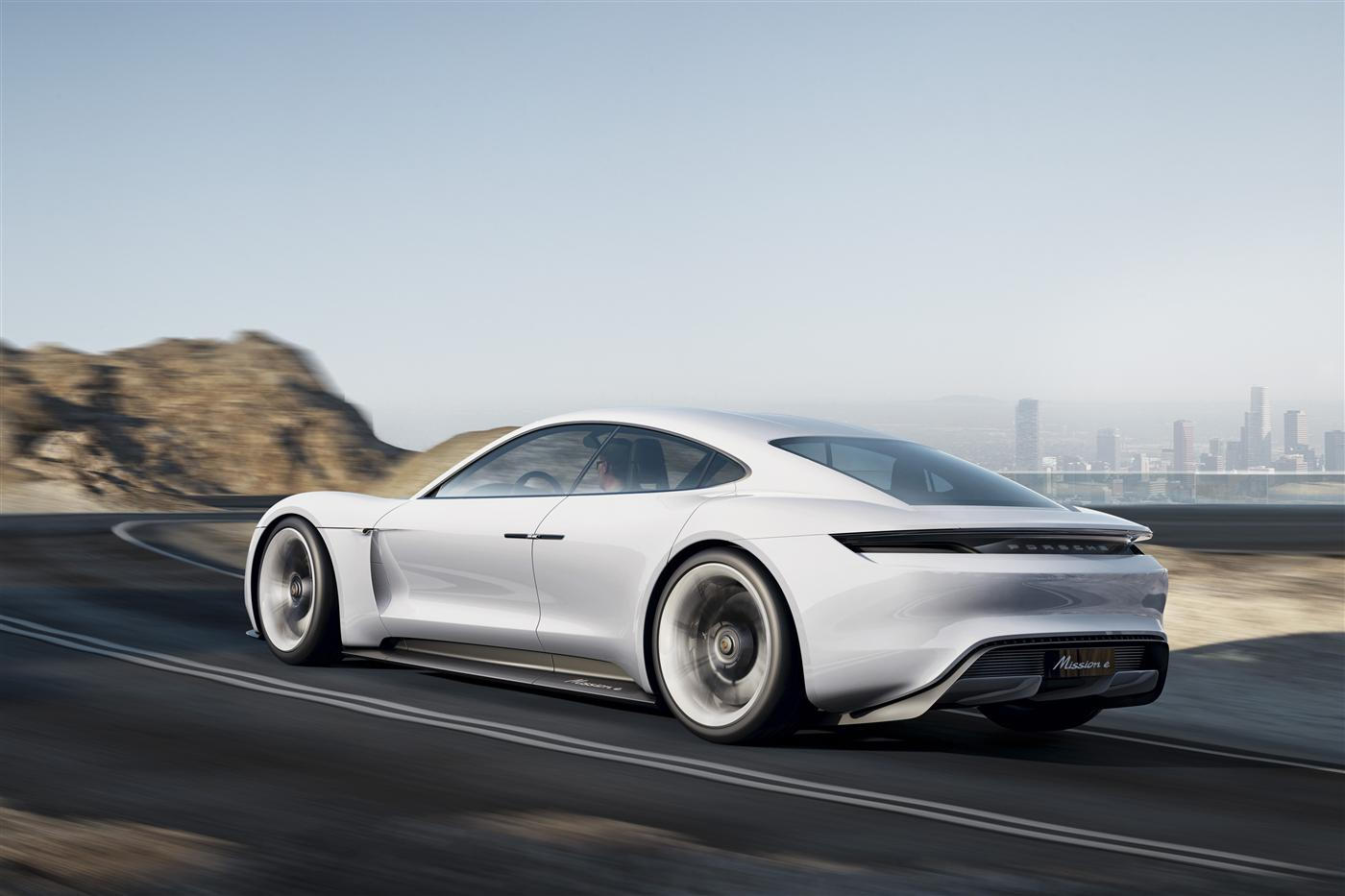 The Mission E: Porsche takes on Tesla 4