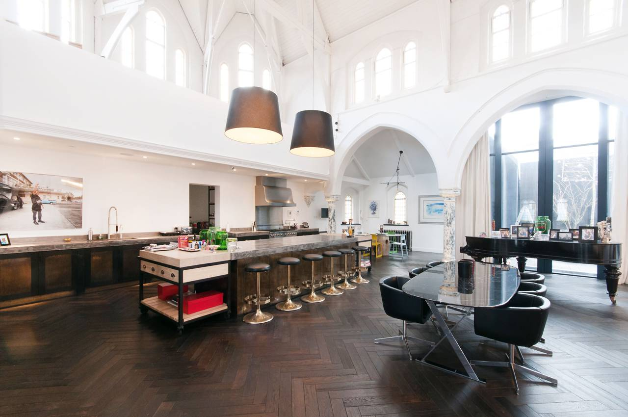 A massive London Church is transformed into a Luxury Home 3