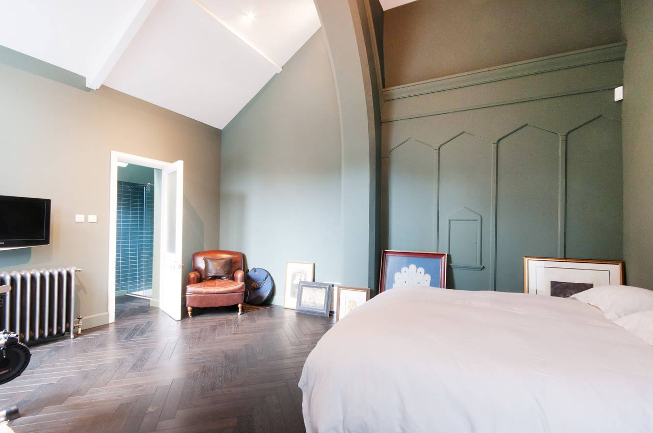 A massive London Church is transformed into a Luxury Home 8