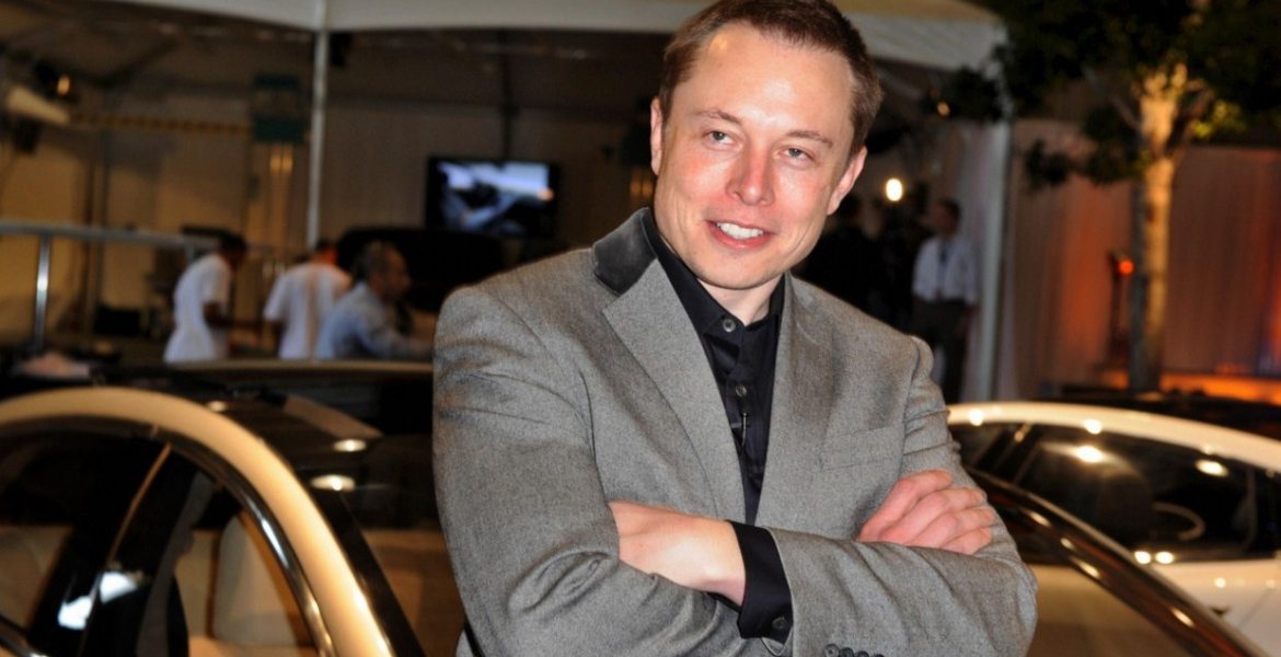 Elon Musk: Tesla Cars will have a range of 1,200km by 2020