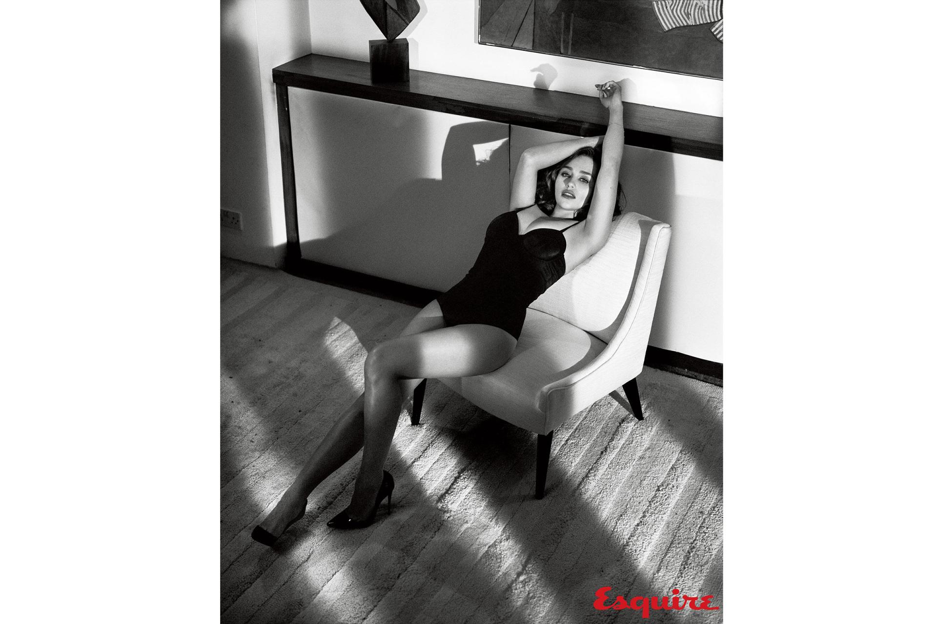 The Sexiest Woman Alive: Emilia Clarke 5