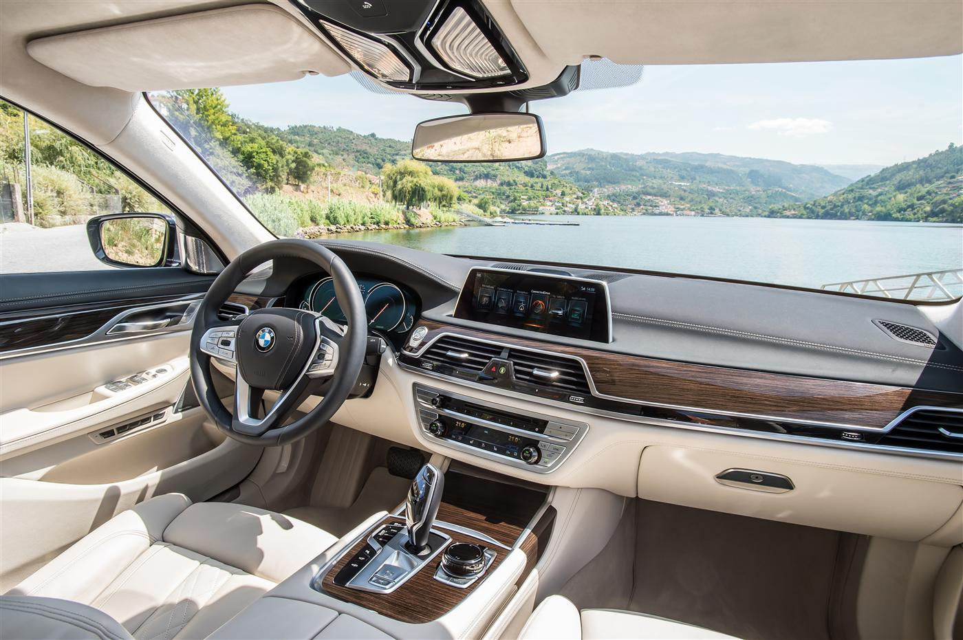 Introducing The 2016 BMW 7 Series 13