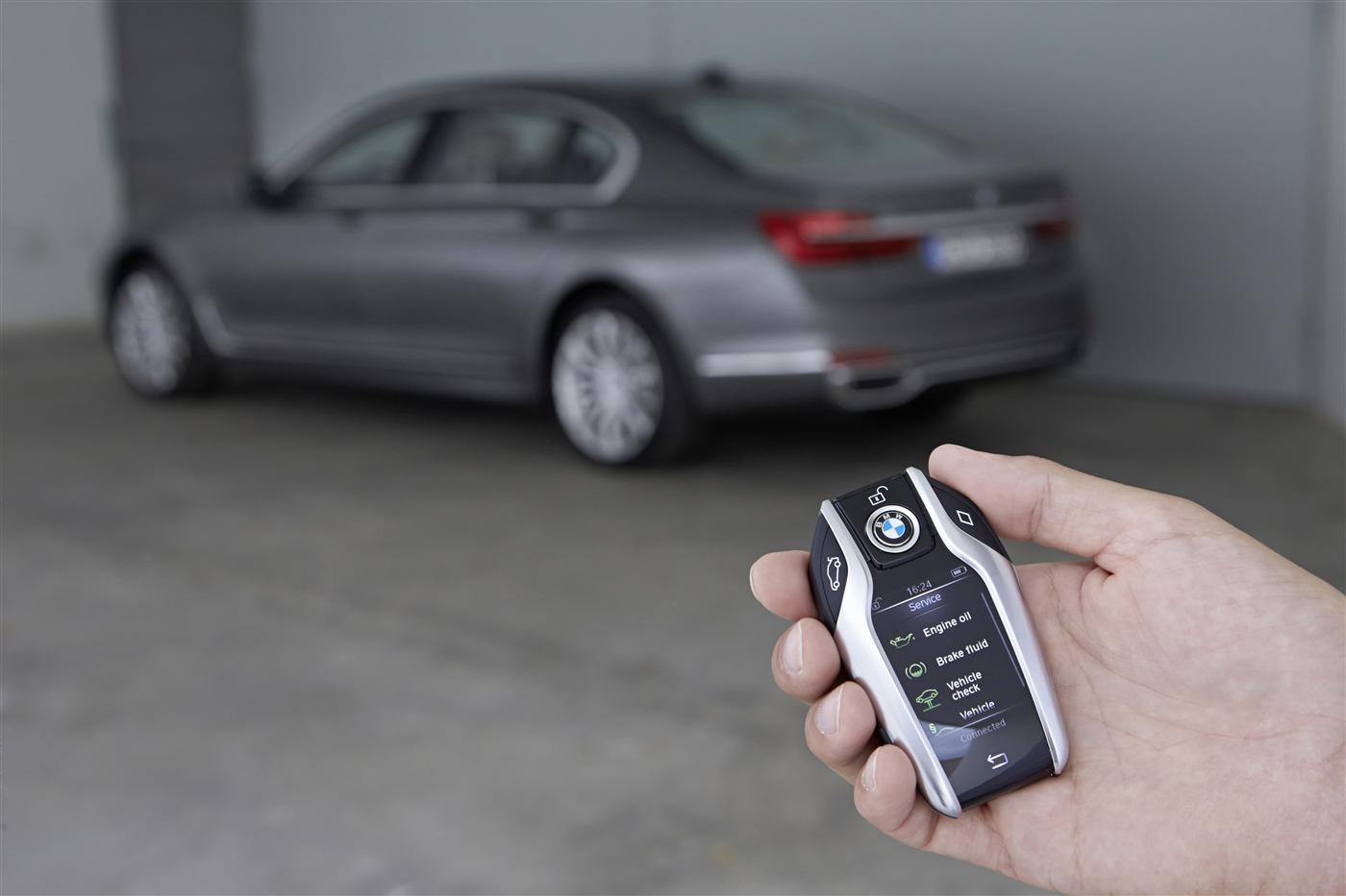 Introducing The 2016 BMW 7 Series 11