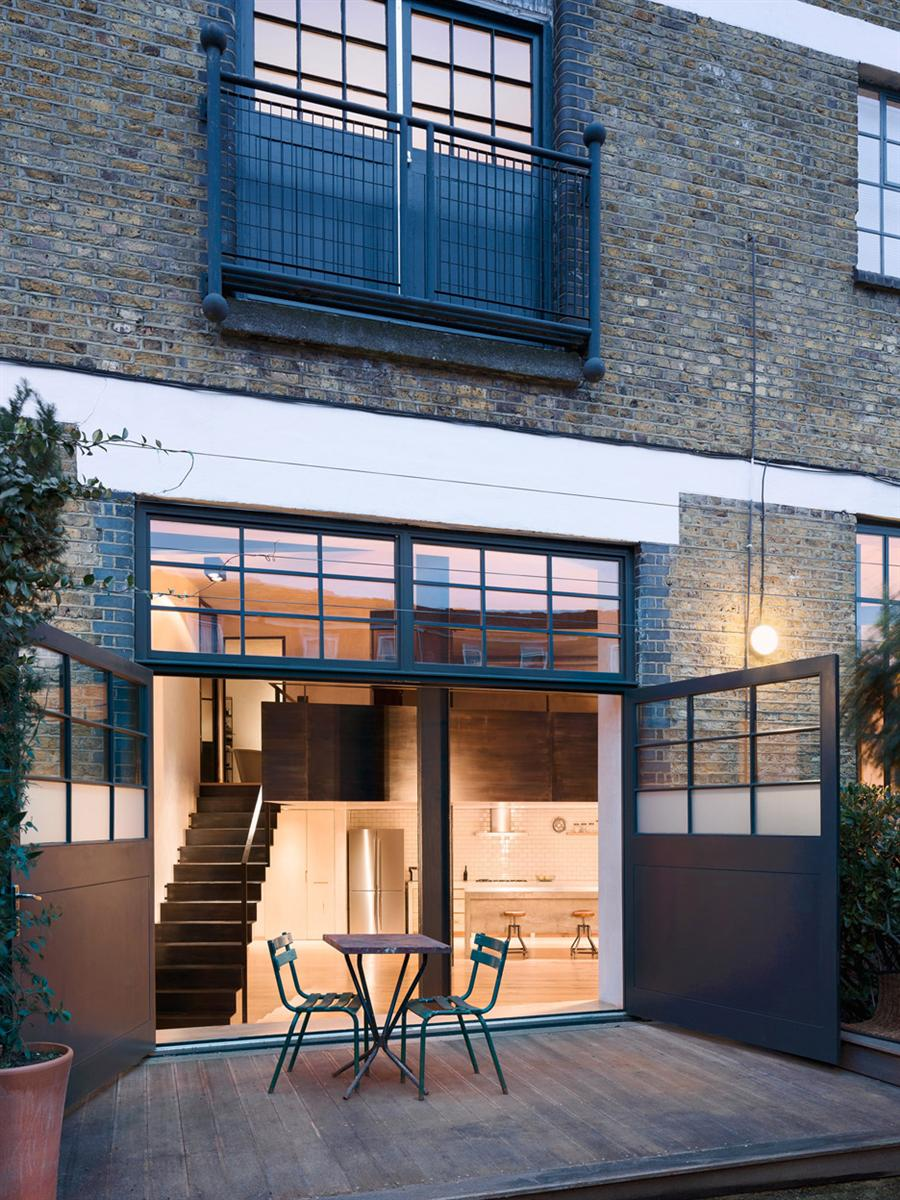 An East London Warehouse was transformed into an impressive Home 3