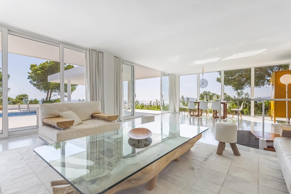 Moderne Villa mit Panoramablick in Ibiza 2
