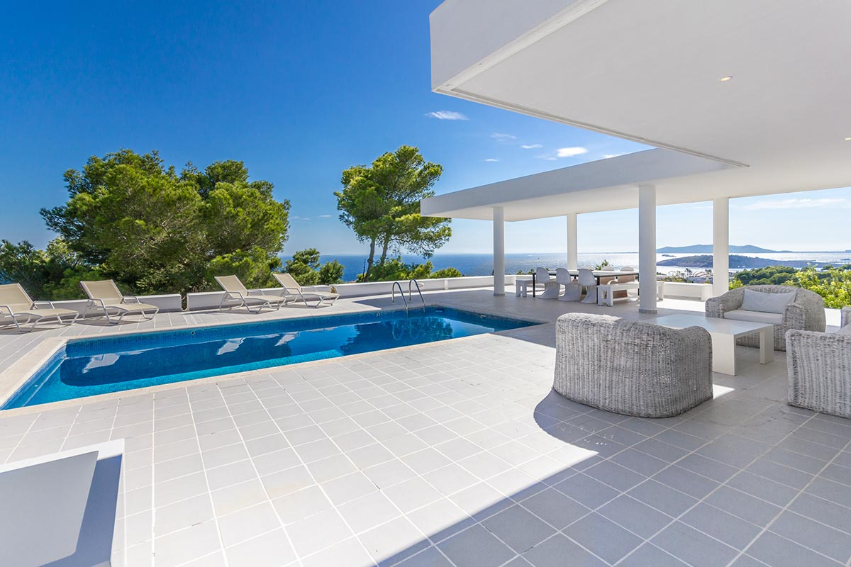 Moderne Villa mit Panoramablick in Ibiza 6