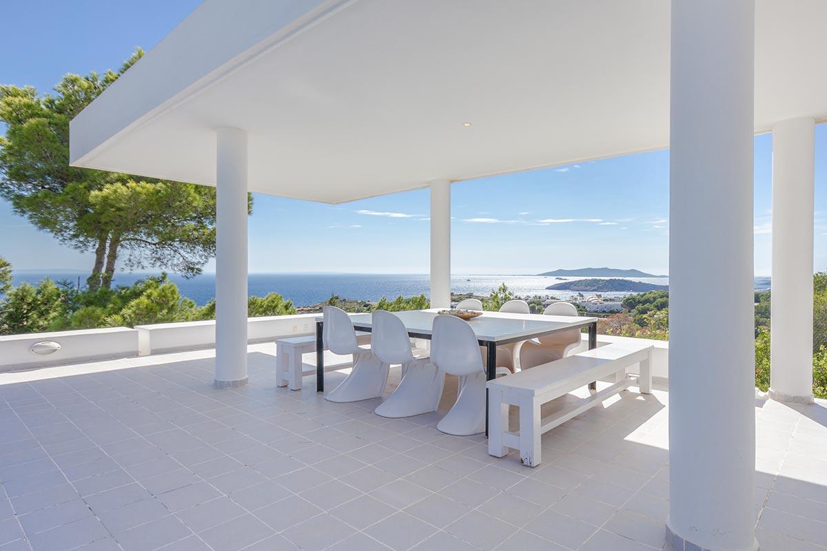Moderne Villa mit Panoramablick in Ibiza 7
