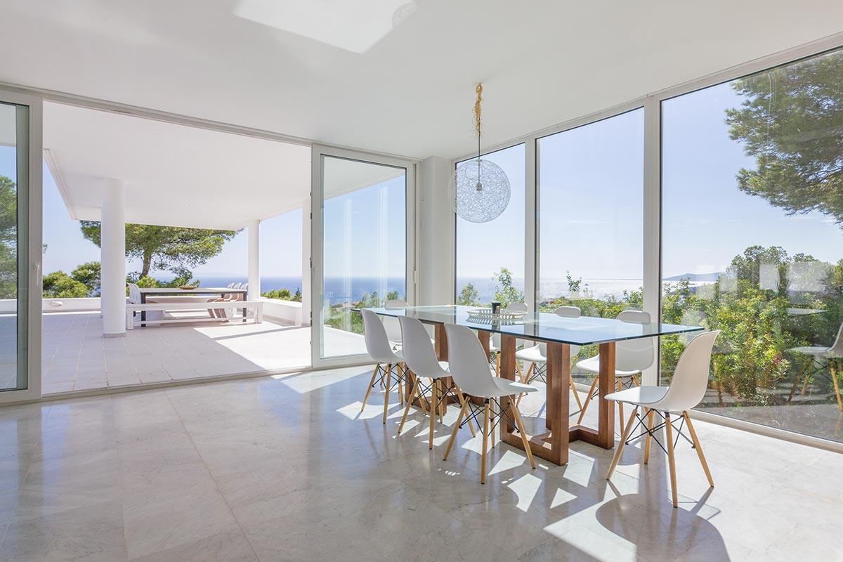 Moderne Villa mit Panoramablick in Ibiza 9