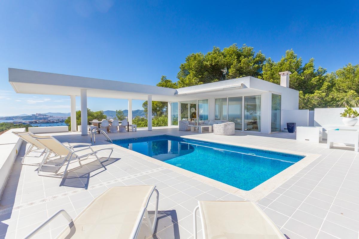 Moderne villa mit panoramablick in ibiza mr goodlife for Moderne villa