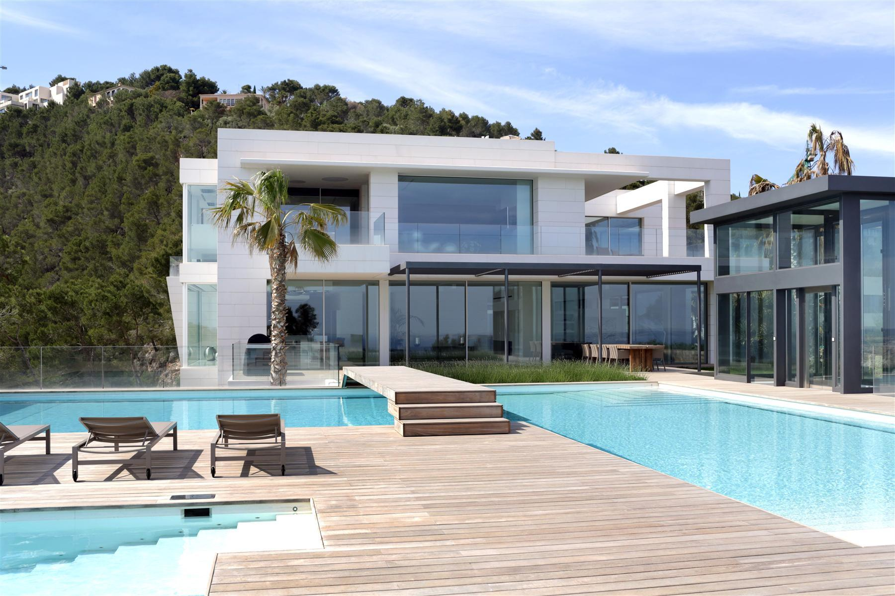 The Unique Chameleon Mansion in Son Vida, Mallorca 4