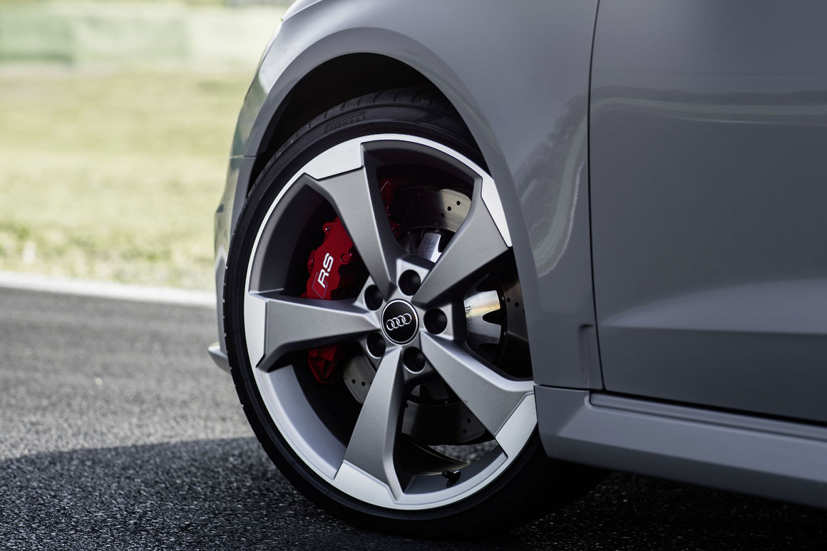 Hatchback Hottie: Driving the Audi RS3 5