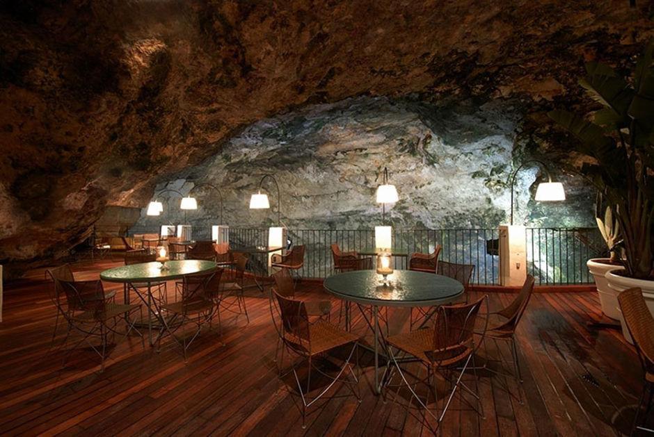 Das Höhlen-Restaurant in Polignano a Mare 6