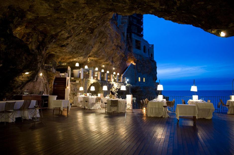 Das Höhlen-Restaurant in Polignano a Mare 8