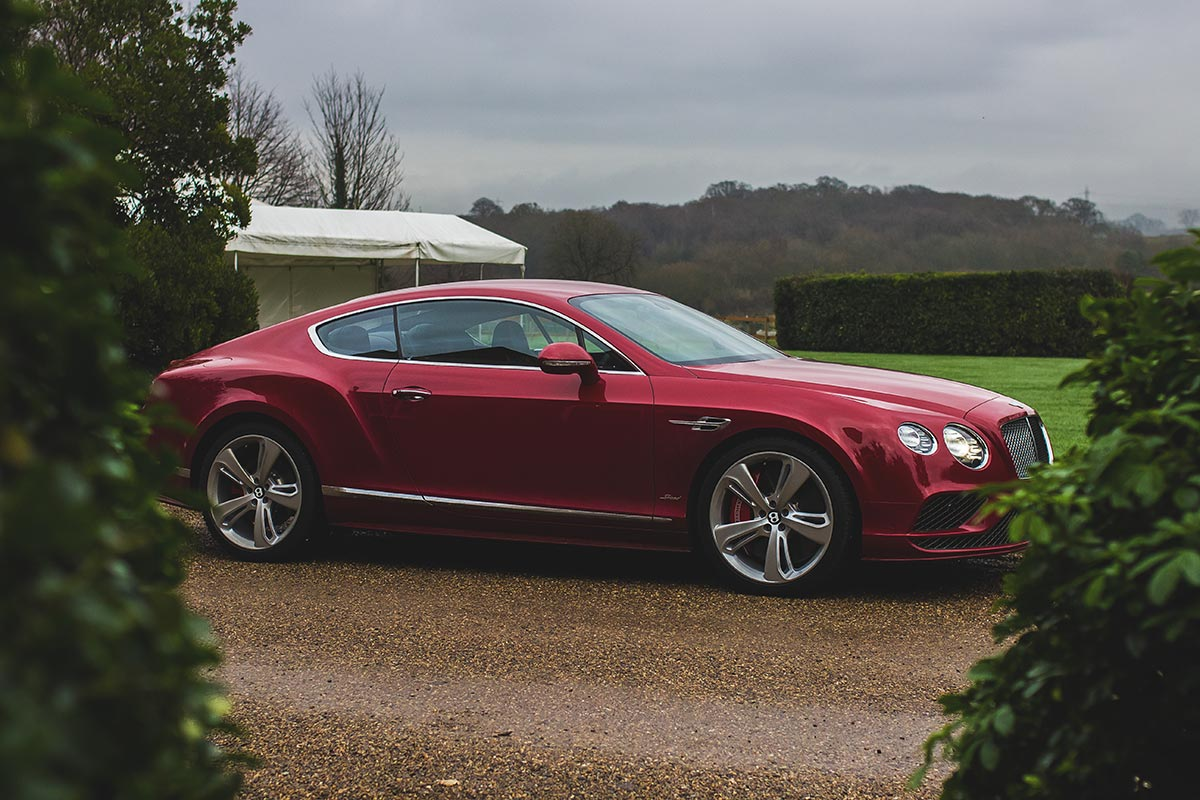 grand touring excellence the bentley continental gt speed. Black Bedroom Furniture Sets. Home Design Ideas