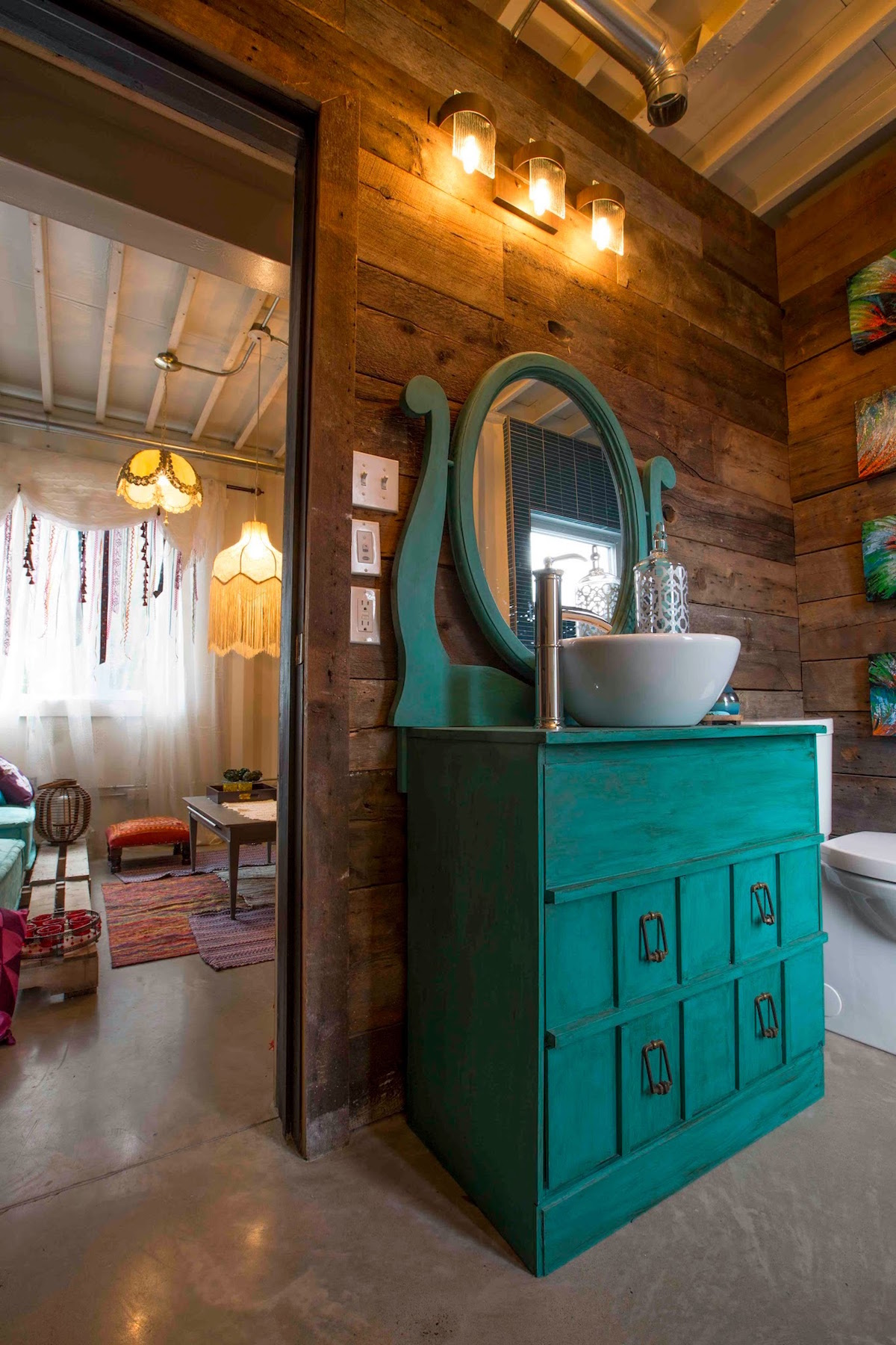 This Lady Built Her New Fantastic Home Out Of Shipping Containers 5