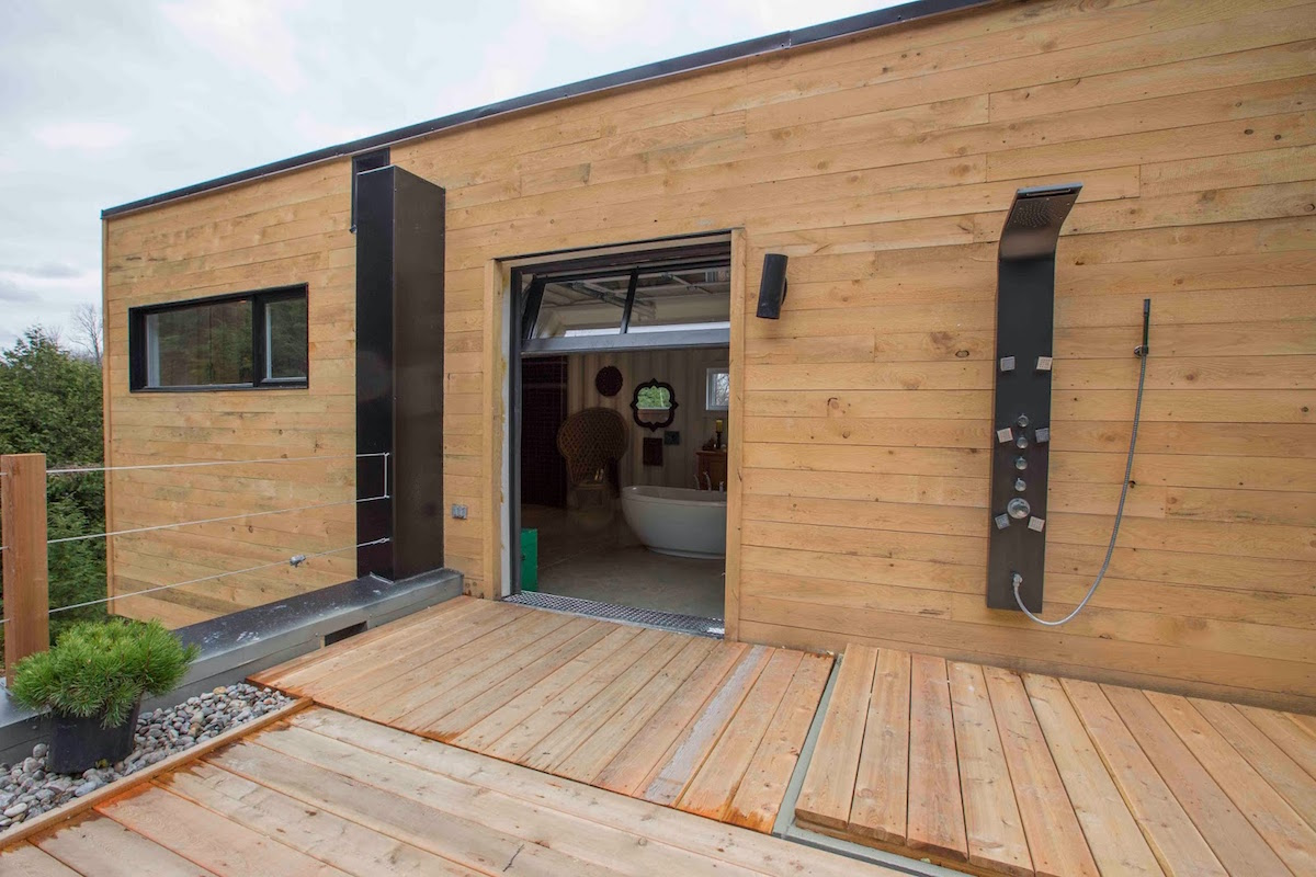 This Lady Built Her New Fantastic Home Out Of Shipping Containers 6