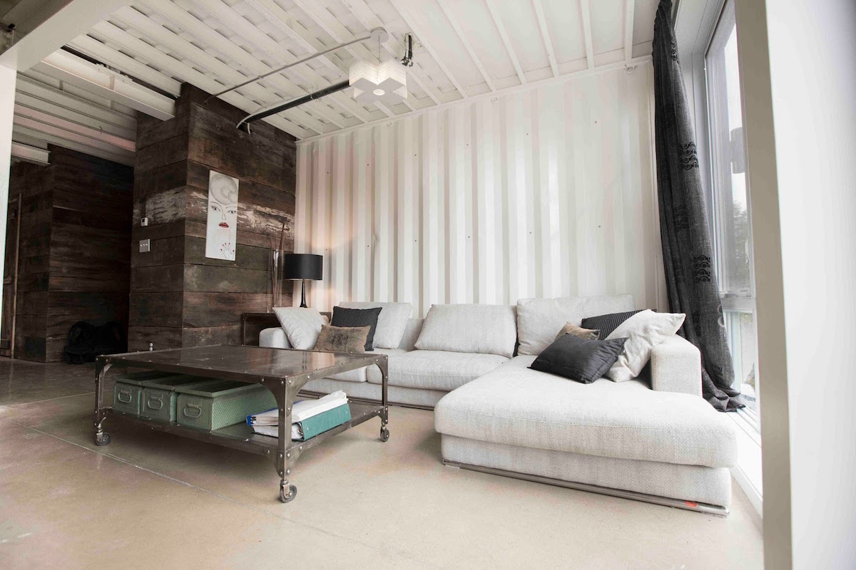 This Lady Built Her New Fantastic Home Out Of Shipping Containers 3