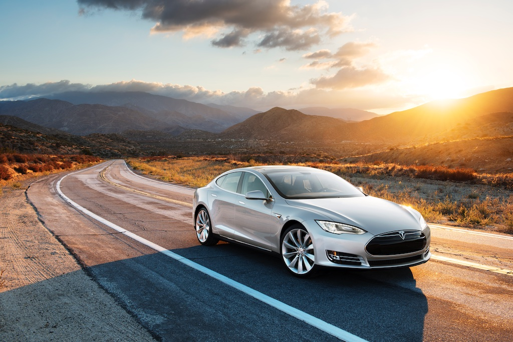 Pass The Control: The Tesla Model S 4