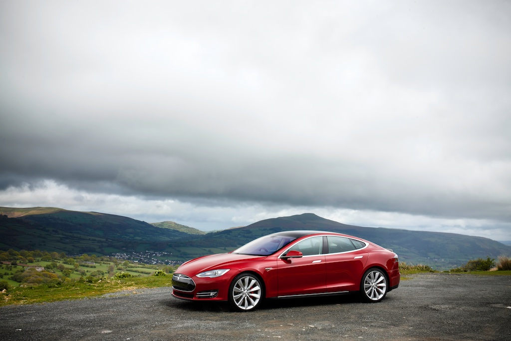 Pass The Control: The Tesla Model S 6