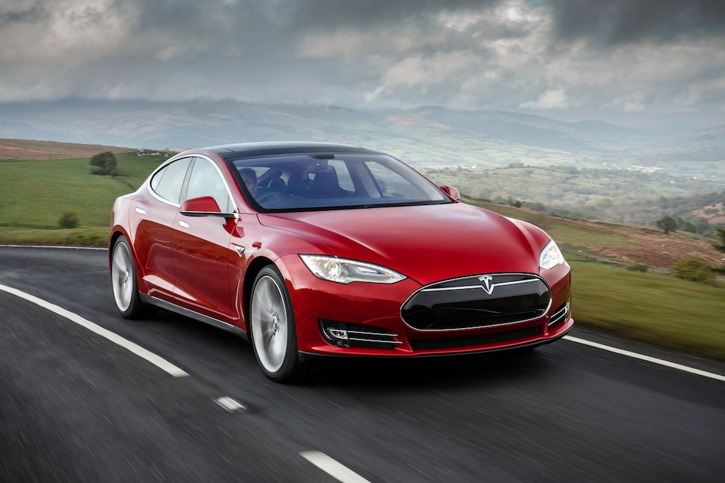 Pass The Control: The Tesla Model S 5
