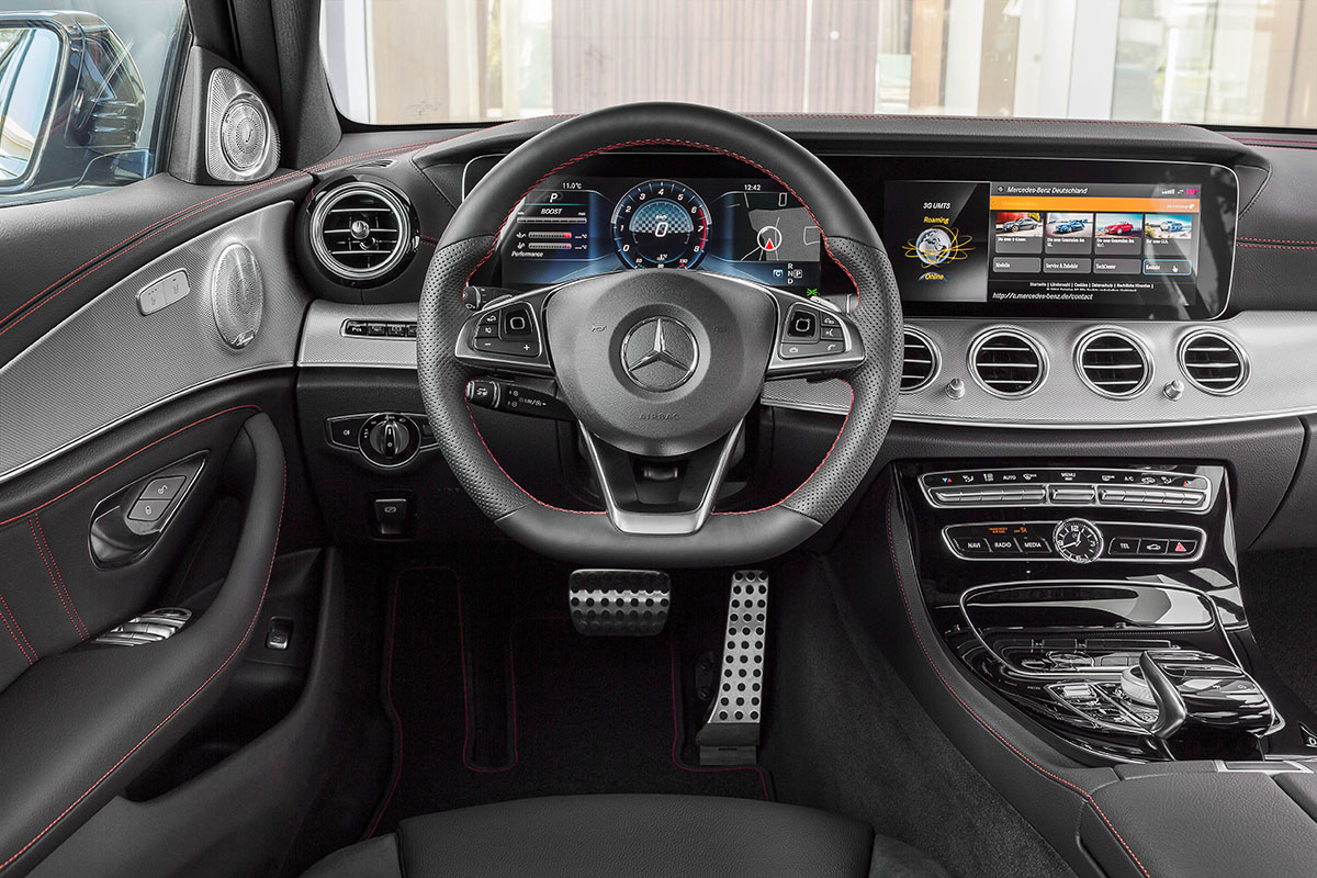 The new high-performance Mercedes-AMG E 43 4MATIC 11