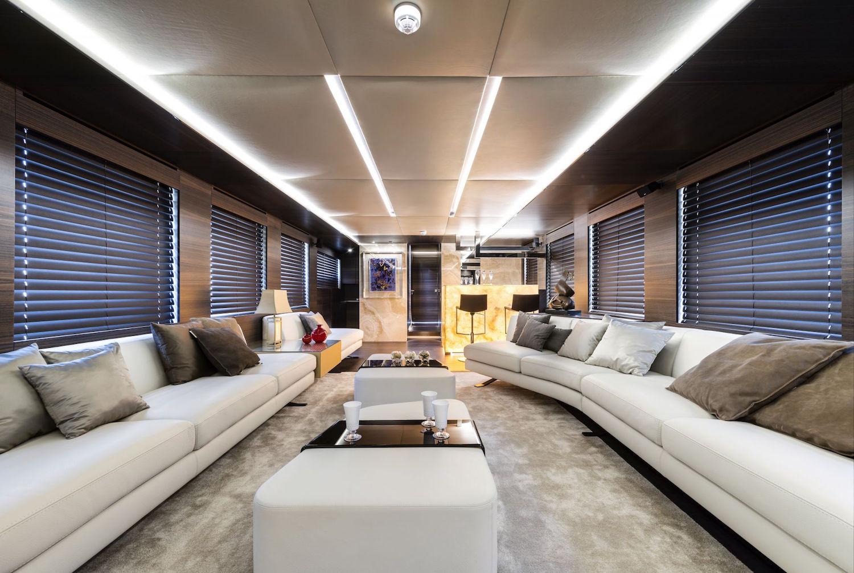 30 Meters Elegance: The Tecnomar Nadara Zahraa Yacht 6