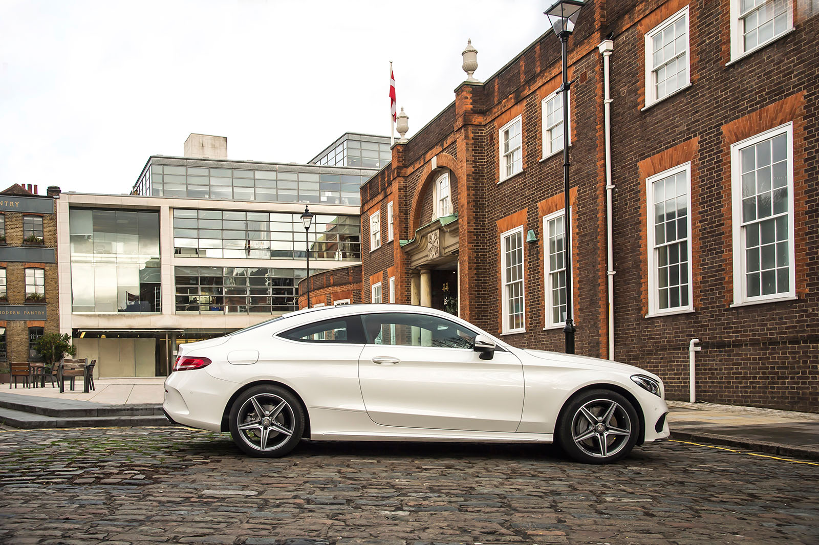 Compact coup life with the mercedes c250 amg line coupe for Mercedes benz c250 amg