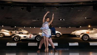 Mitternacht in Stuttgart mit Mercedes-Benz und den Hiplet Ballerinas