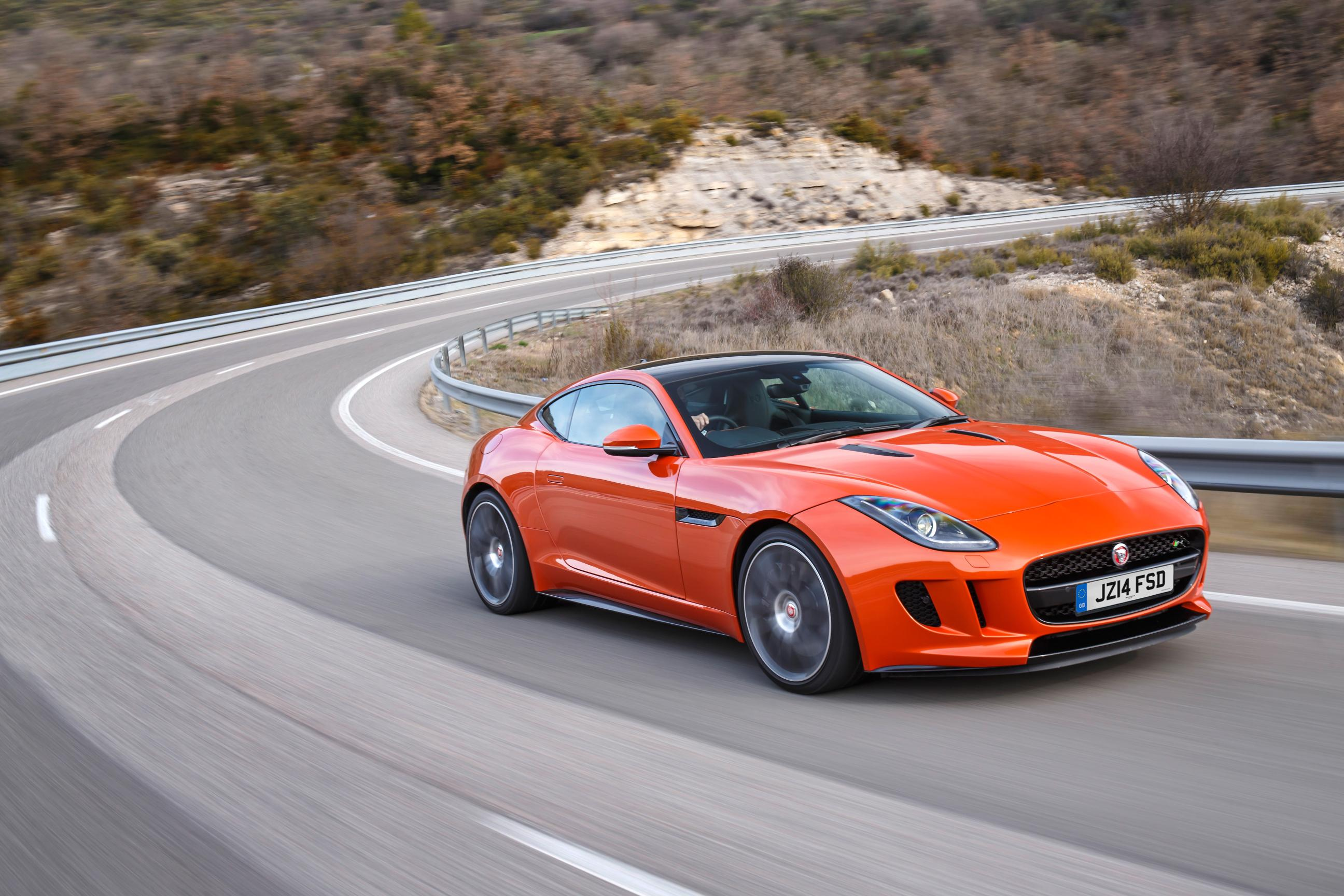 The Angry Cat – Jaguar F-Type R Coupe 8