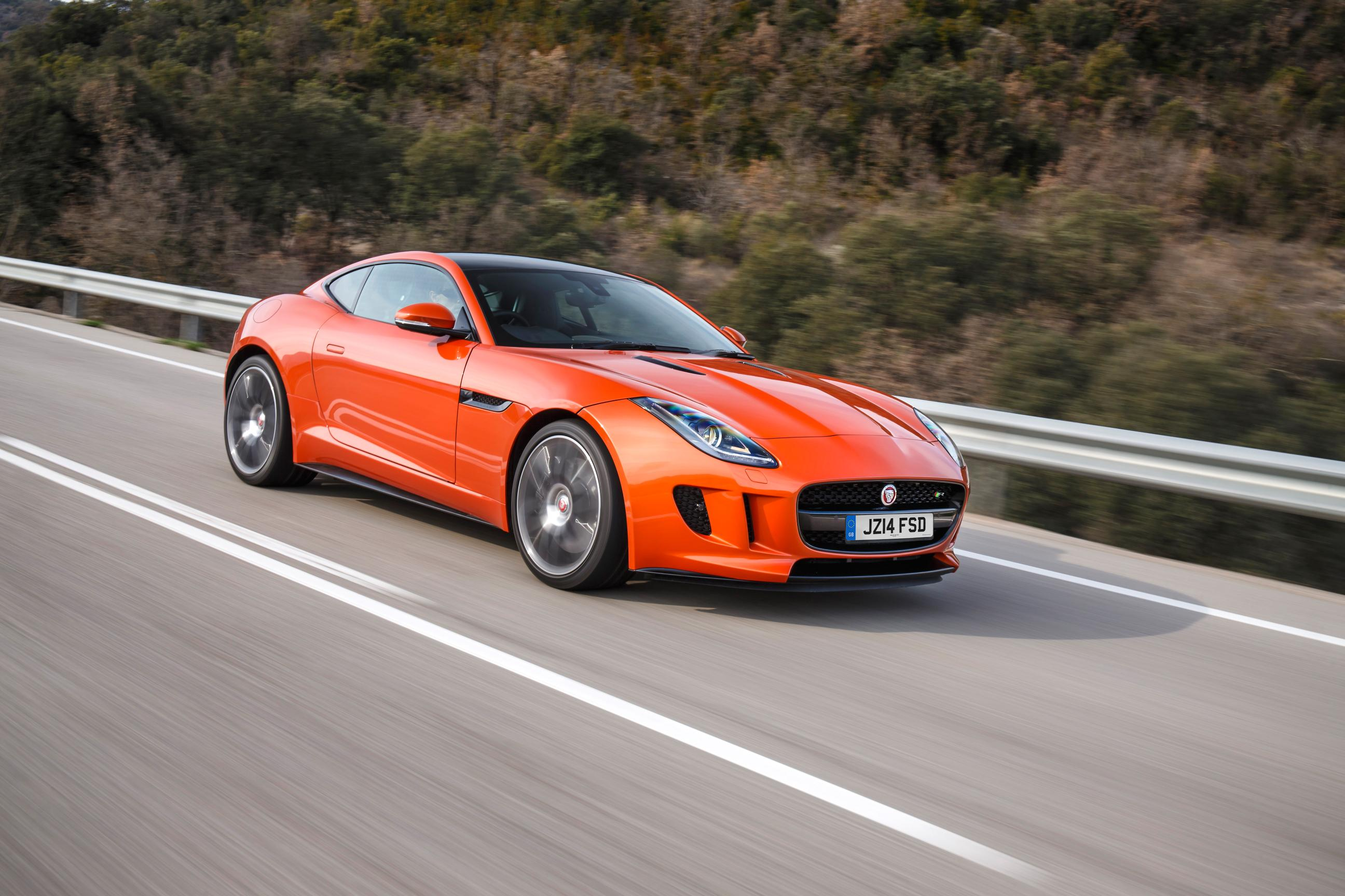 The Angry Cat – Jaguar F-Type R Coupe 1