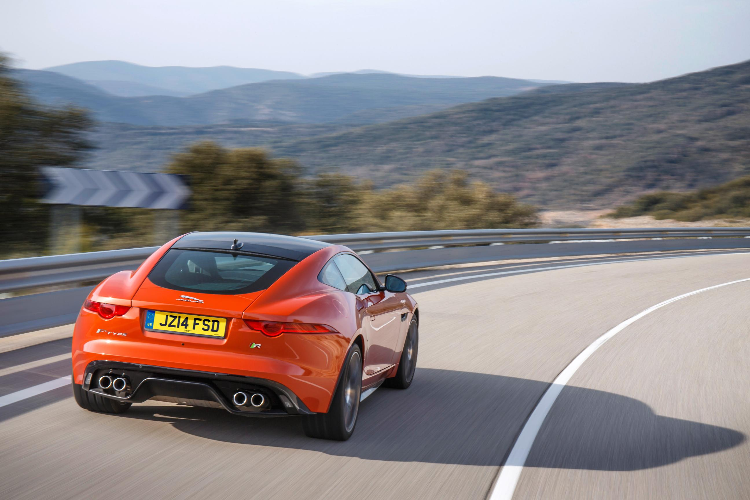 The Angry Cat – Jaguar F-Type R Coupe 9
