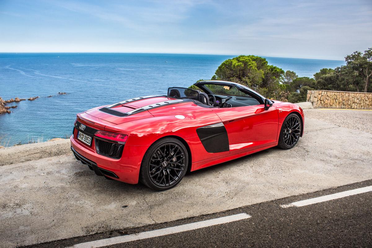 Topless V10 Pleasure in Barcelona – The R8 Spyder 2