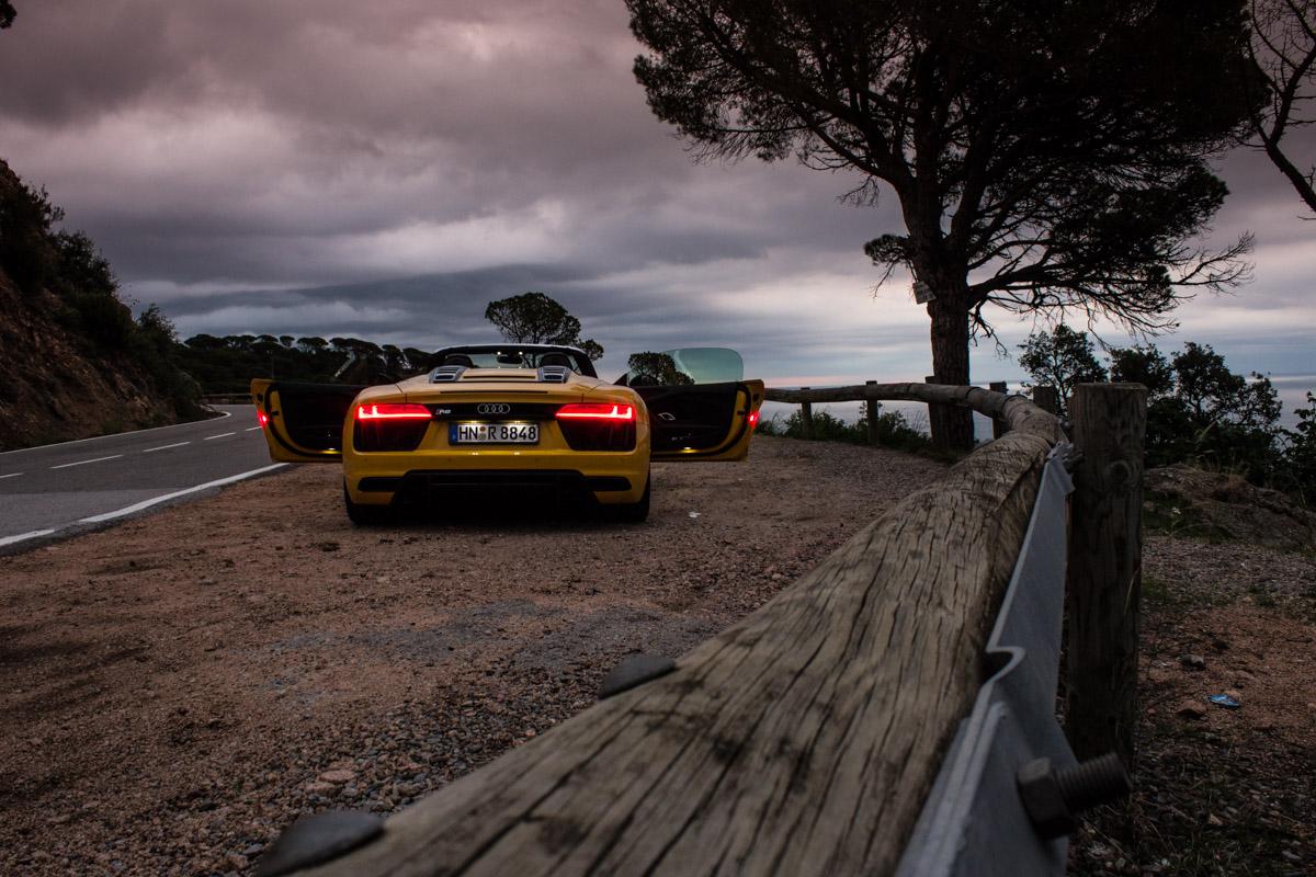 Topless V10 Pleasure in Barcelona – The R8 Spyder 9