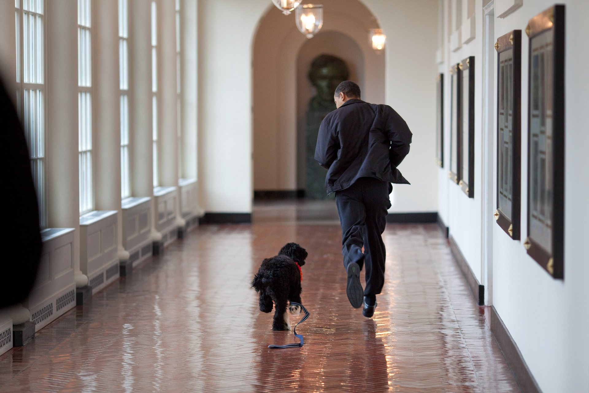 Official White House Photographer Pete Souza Reveals His Favourite Photos Of Obama 6