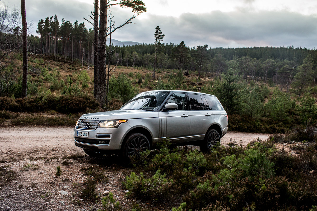 Highland Touring in The Range Rover SVAutobiography 4
