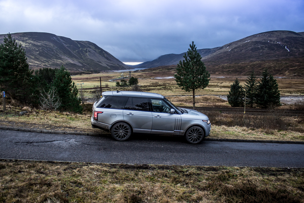 Highland Touring in The Range Rover SVAutobiography 1