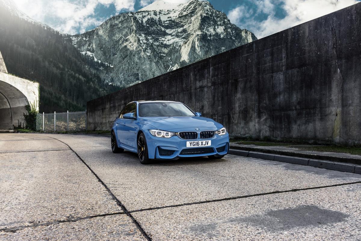 A true performaer: Winter Fun in the BMW M3 8