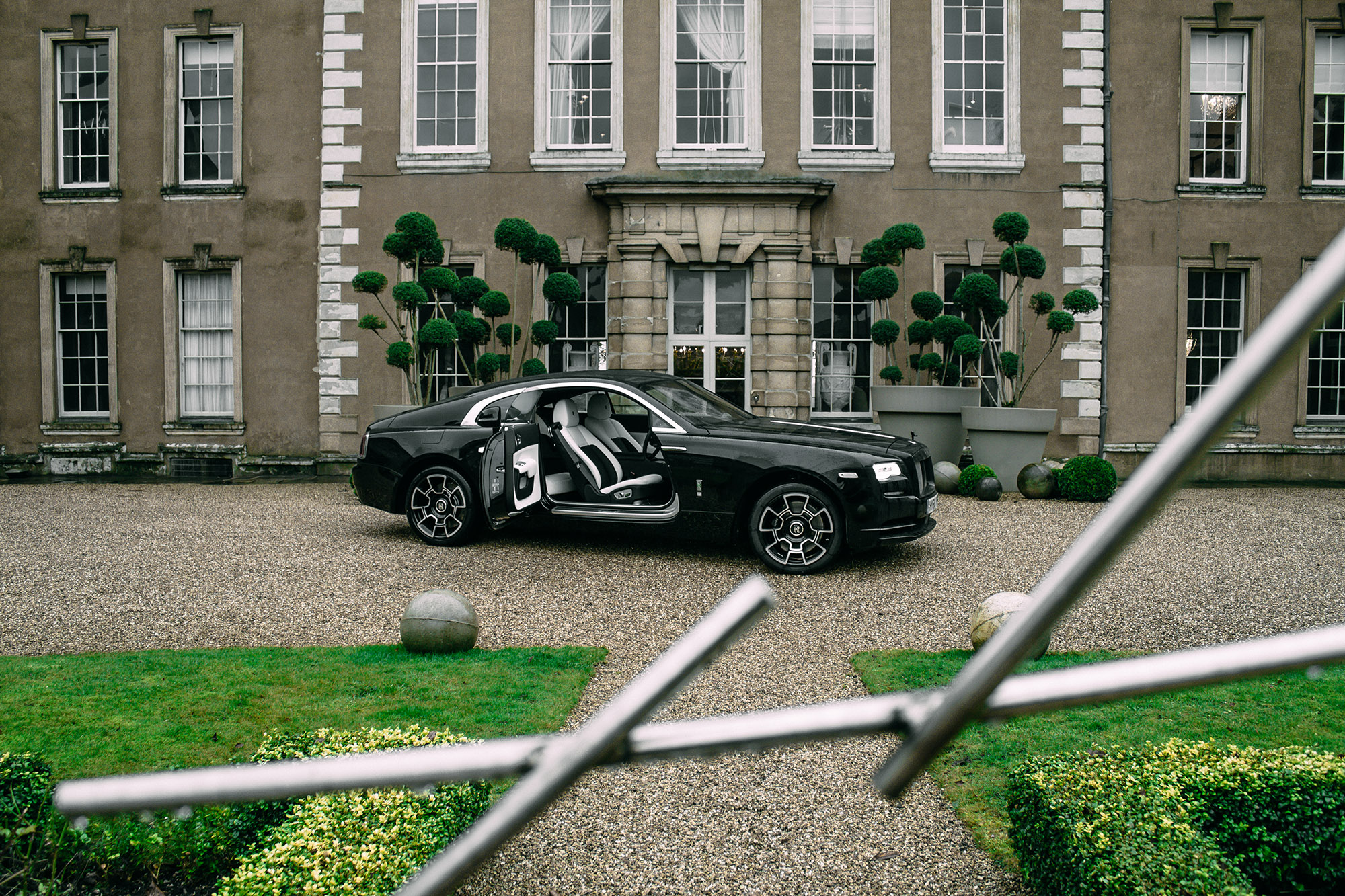 Driving The Black Badge Rolls Royce Wraith 4
