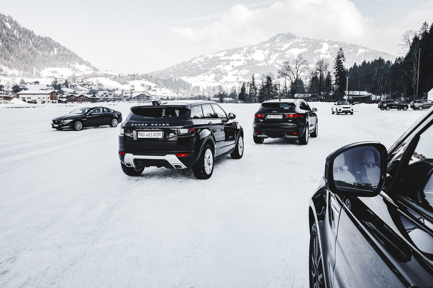 Die Jaguar Land Rover Ice Driving Experience in Gstaad 30