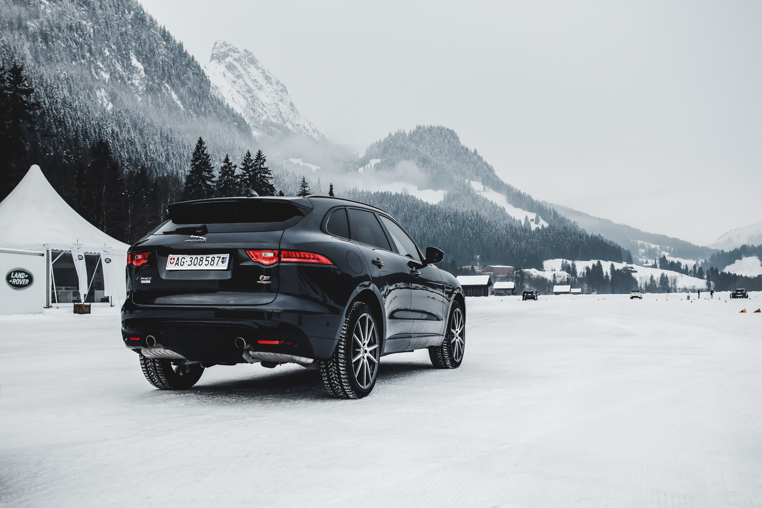 Die Jaguar Land Rover Ice Driving Experience in Gstaad 21