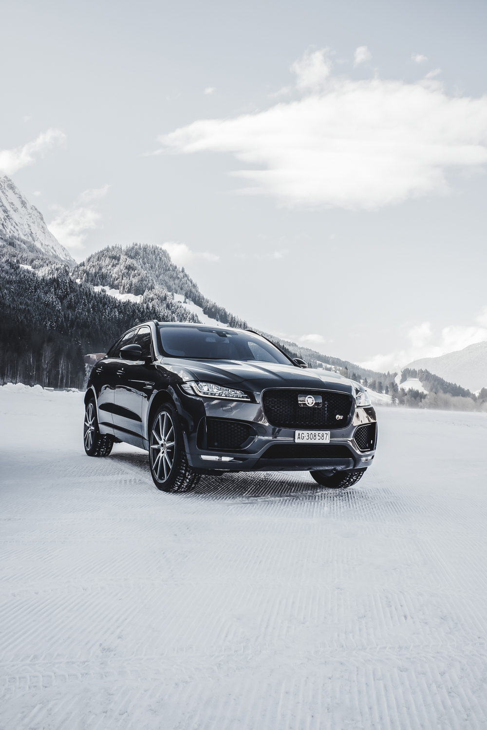 Die Jaguar Land Rover Ice Driving Experience in Gstaad 31