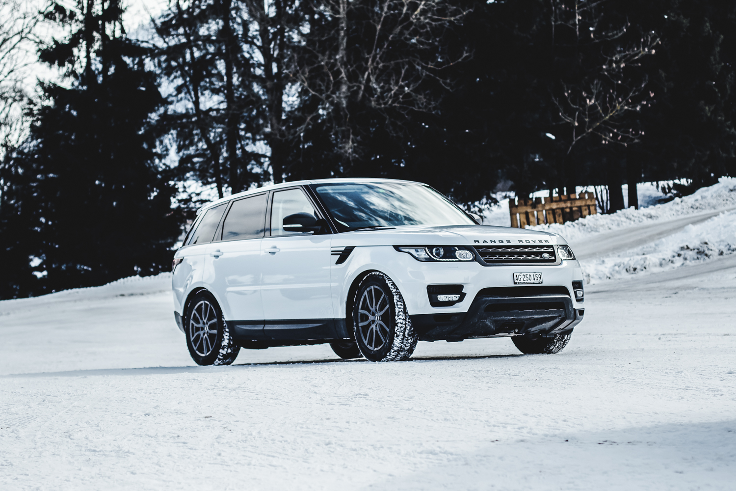 Die Jaguar Land Rover Ice Driving Experience in Gstaad 6