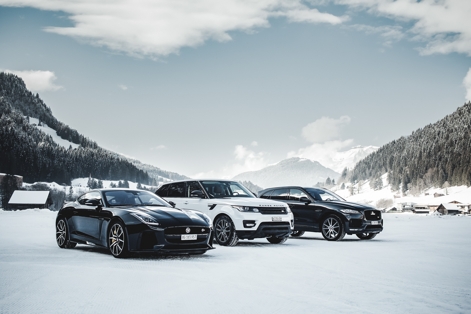 Die Jaguar Land Rover Ice Driving Experience in Gstaad 1