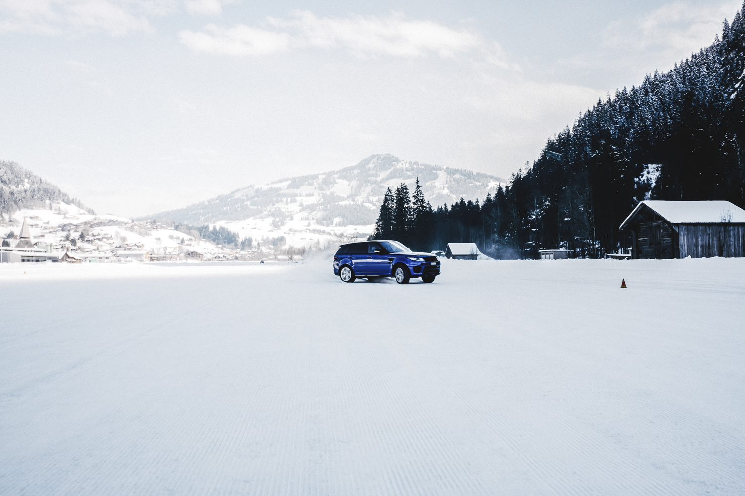 Die Jaguar Land Rover Ice Driving Experience in Gstaad 28